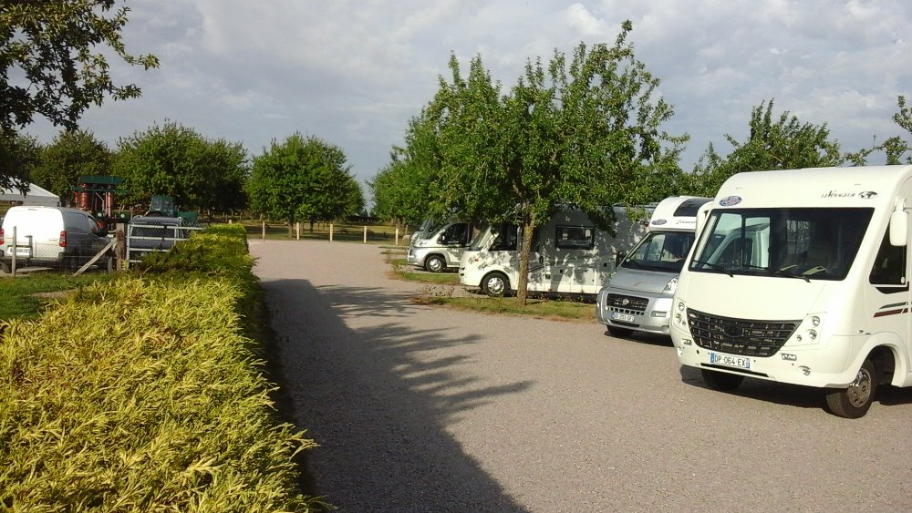 Aire camping-car à Carsix (27300) - Photo 2
